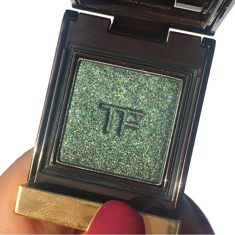 Tom Ford Private Shadows Review and Swatches www.calibeaute.com