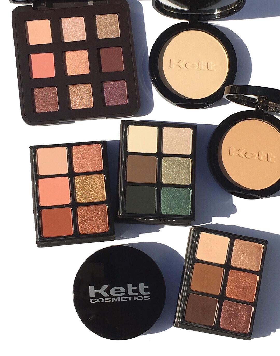 Viseart Absinthe & Siren Theory Palettes & Kett Fixx Powder Foundation Compact